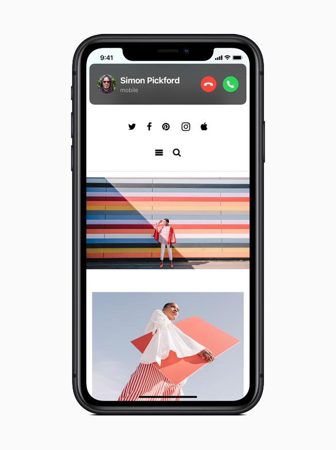 iOS 14 отличается совершенно новым компактным дизайном, который позволяет пользователям одновременно принимать звонки, задавать вопросы Siri или смотреть видео.