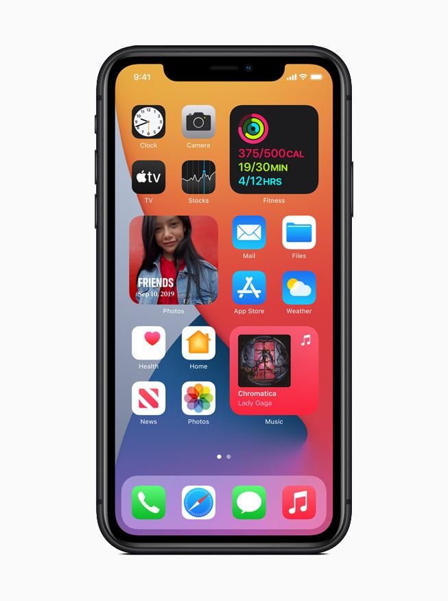 В iOS 14 виджеты были красиво переработаны, благодаря чему пользователи получают своевременную информацию прямо на страницах главного экрана.