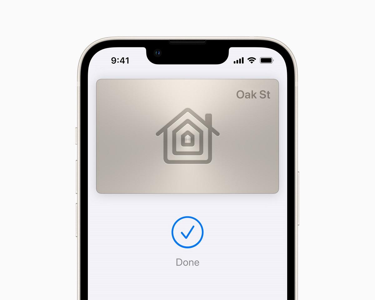 Ключи от дома и гостиничного номера, а также удостоверения личности поступают в кошелек, чтобы их можно было легко разблокировать одним касанием в повседневных ситуациях.